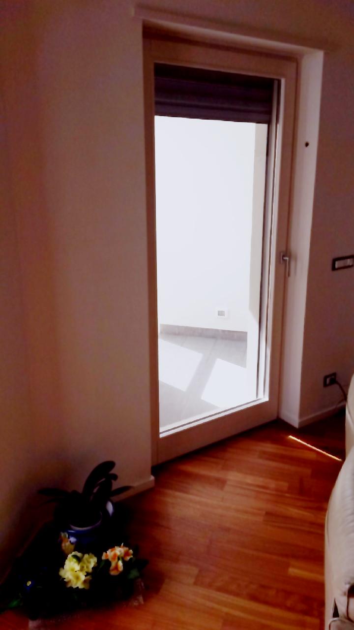 Formazione professionalit passione i nostri infissi - Su di esso si esce da una porta finestra ...